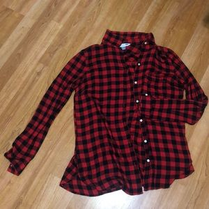 Old Navy Red plaid button up size Medium